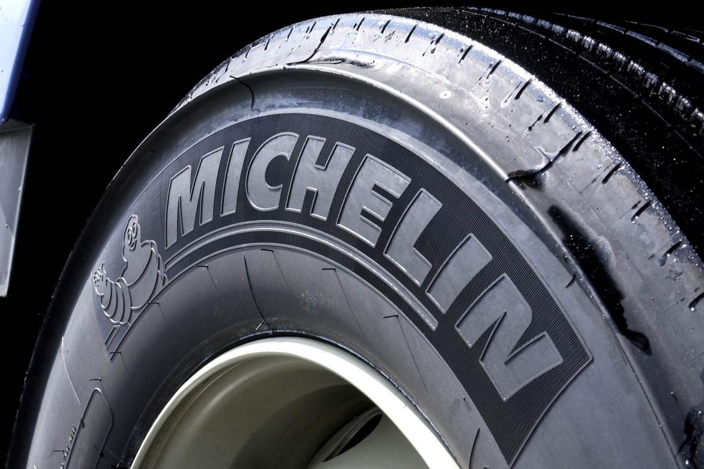 gembloux pneus vente et montage des pneus poids lourds. Black Bedroom Furniture Sets. Home Design Ideas